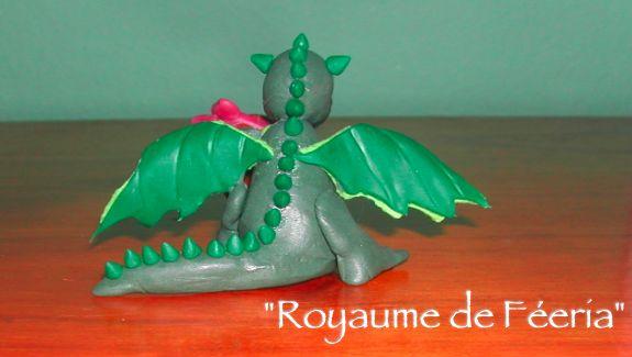 petit-dragon-de-paques_01 dans La Terre des dragons